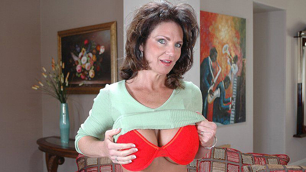 Brunette MILF Deauxma fucking in the couch with her big ass