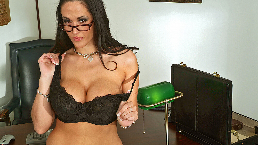 Boss Carmella Bing fucking in the desk with her tits