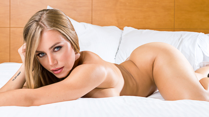 Nicole aniston tonight girlfriend