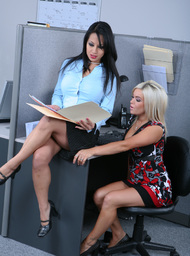 Gianna Lynn, Christa Moore & Christian in 2 Chicks Same Time - Centerfold