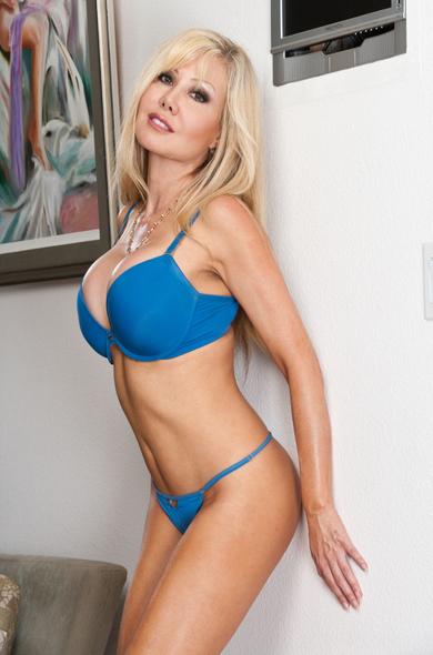 Pornstar Cindi Sinderson - Ass licking videos by Naughty America