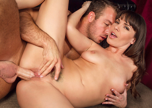 psp, iphone, blackberry mobile milf porn starring Dana DeArmond in American Daydreams is only a click away