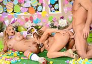 Phoenix Marie & Richelle Ryan & Johnny Castle in American Daydreams sex pic