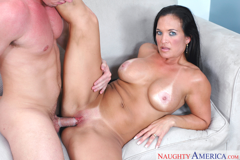 Scam angels american milfs have threesome with their boss
