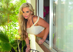 Phoenix Marie & Mark Wood in Housewife 1 on 1 - Centerfold