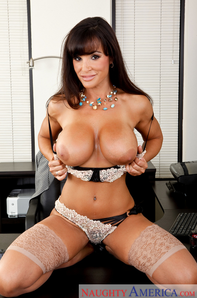 Lisa Ann Fanclub - Busty Pornstar