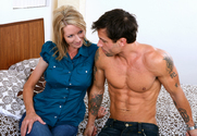 Emma Starr & Alan Stafford in My Friends Hot Mom - Sex Position 1