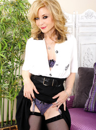 Nina Hartley & Bill Bailey in My Friends Hot Mom - Centerfold