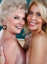 Erica Lauren & Mrs. Jewell Porn Videos