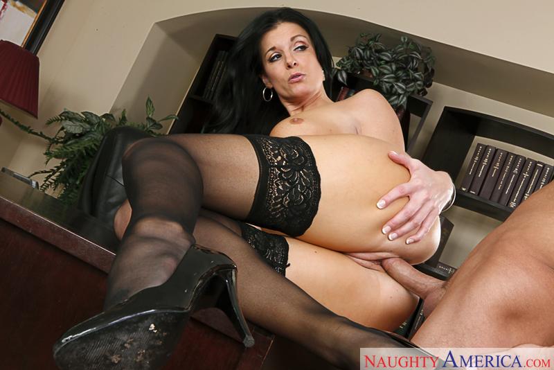 huge nude latina asses