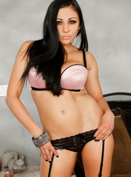 Audrey Bitoni & Tommy Gunn in My Wife's Hot Friend - Centerfold