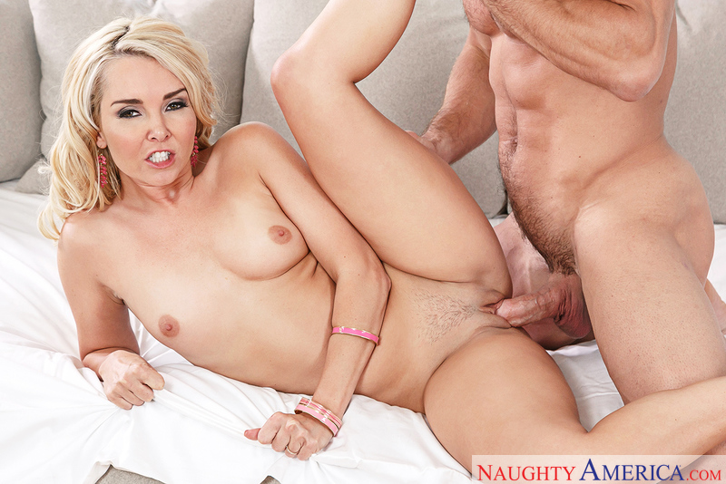 Naughtyamerica – Aaliyah Love & Johnny Castle in Neighbor Affair