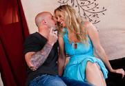 Julia Ann & Barry Scott in Neighbor Affair - Sex Position 1