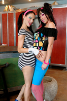 Roxy Deville & Victoria Sin  - Centerfold