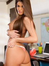 Madelyn Marie & Justin Magnum in Naughty Office - Centerfold