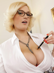 Siri & Danny Mountain in Naughty Office - Centerfold