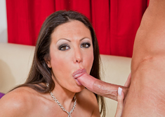 Amy Fisher & Bill Bailey in Seduced by a cougar - Centerfold