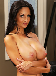 Ava Addams & Danny Mountain in Seduced by a cougar - Centerfold