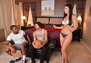 India Summer & Alex Jones & Isiah Maxwell in Seduced By A Cougar