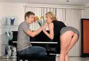 Tiffany Mynx & Danny Wylde in Seduced By A Cougar