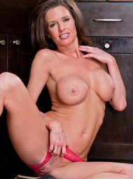 Veronica Avluv & Johnny Sins in Seduced by a cougar - Centerfold