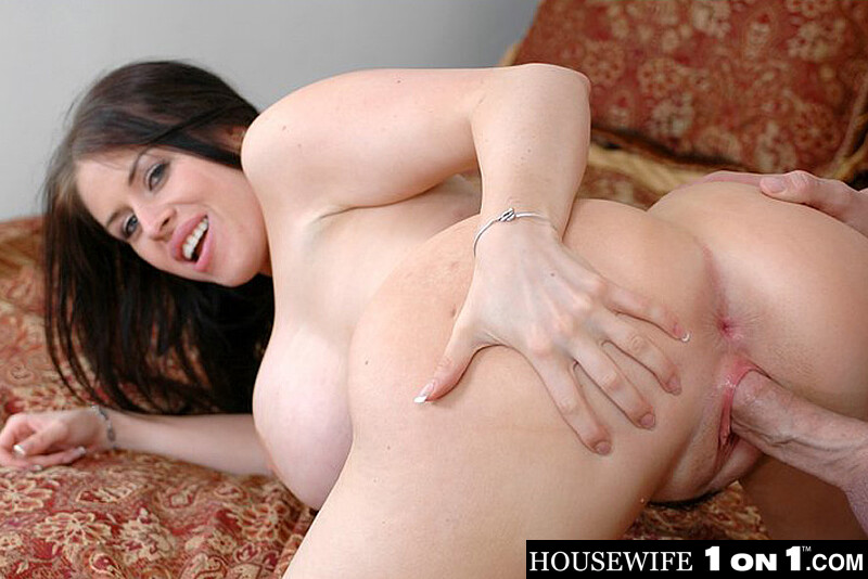 Milf using big dildo vr88