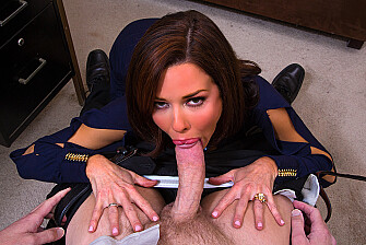 Veronica Avluv - Veronica Avluv fucking in the floor with her tits picture 2