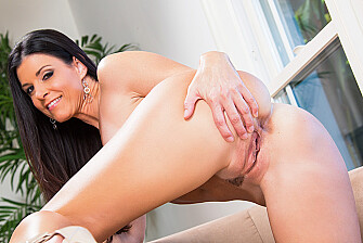 India Summer fucking in the couch with her brown eyes - Sex Position 1