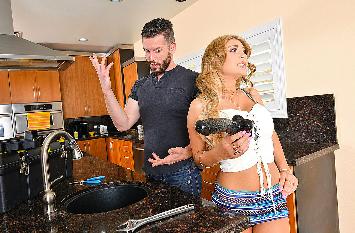 Watch Kayla Kayden and Mike Mancini 4K video in I Have a Wife