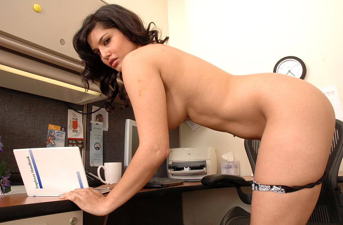 Pornstar Sunny Leone Videos - Naughty America Xxx In Hd -9584