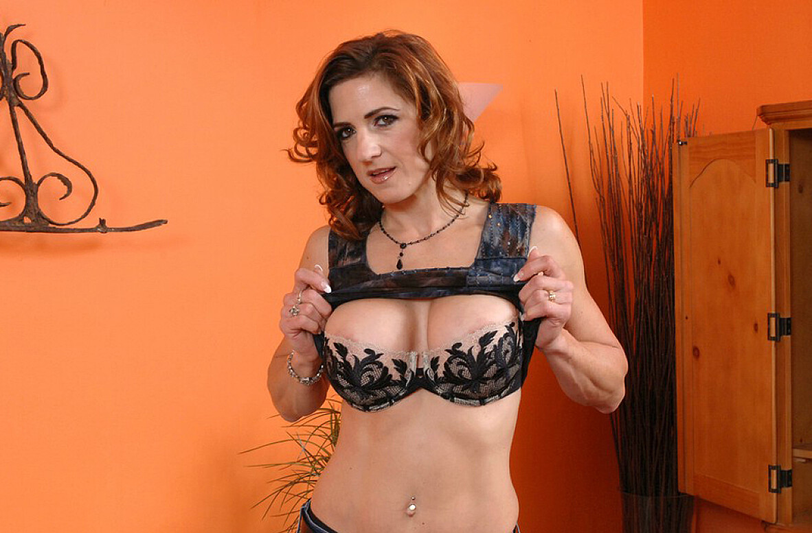 Watch Christina Noir and Jack Venice video in My Friend's Hot Mom