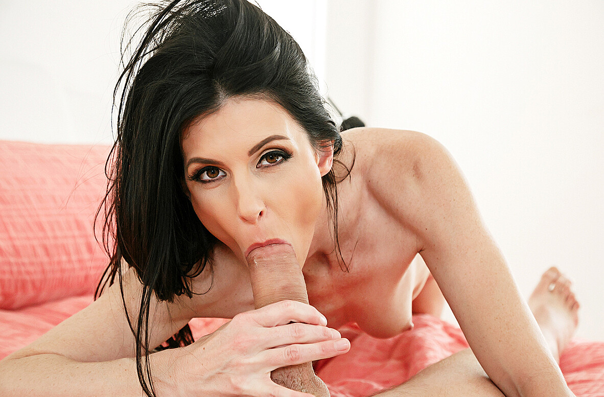 Watch India Summer and Van Wylde 4K video in My Friend's Hot Mom