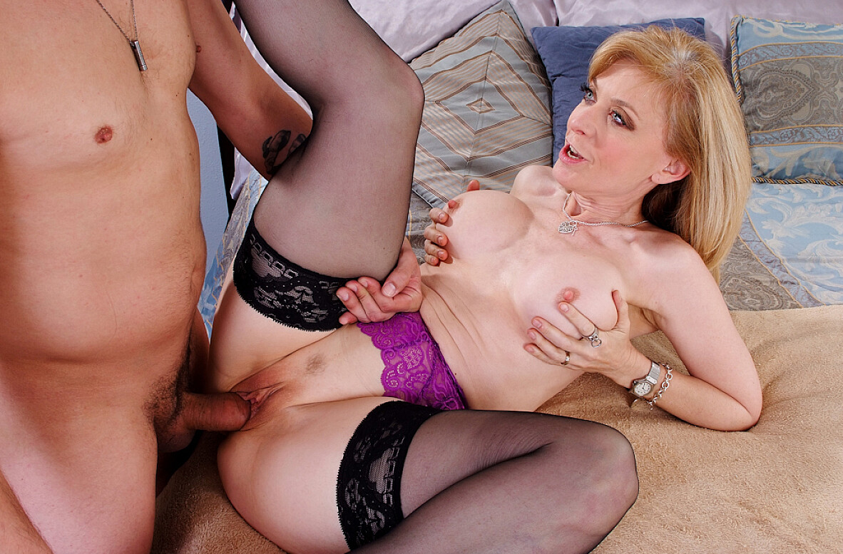 Watch Nina Hartley and Anthony Rosano video in My Friend's Hot Mom