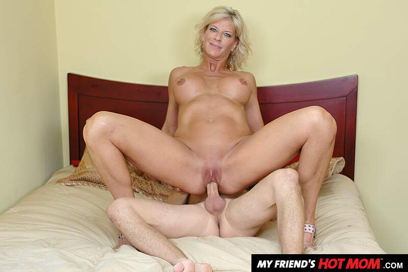 My friends hot mom tj power Blonde Milf Tj Powers Fucking In The Bed With Her Tits