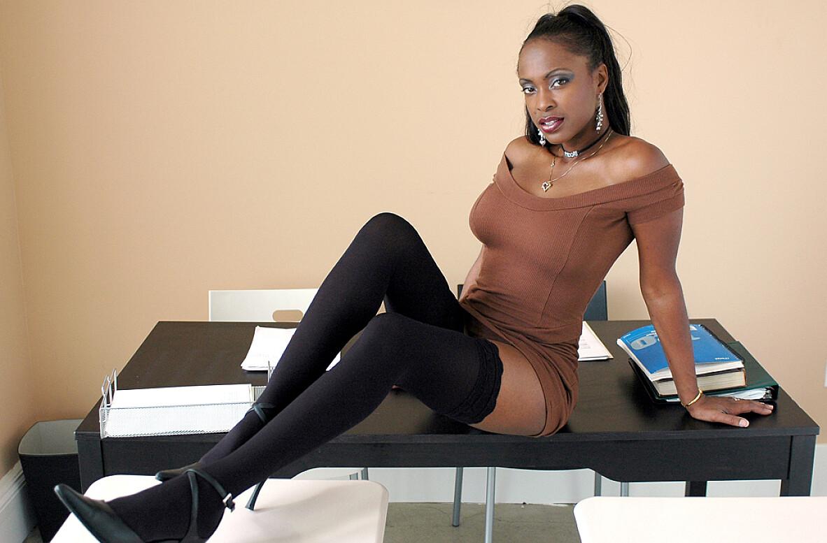 Magnificent ebony porn star midori apologise