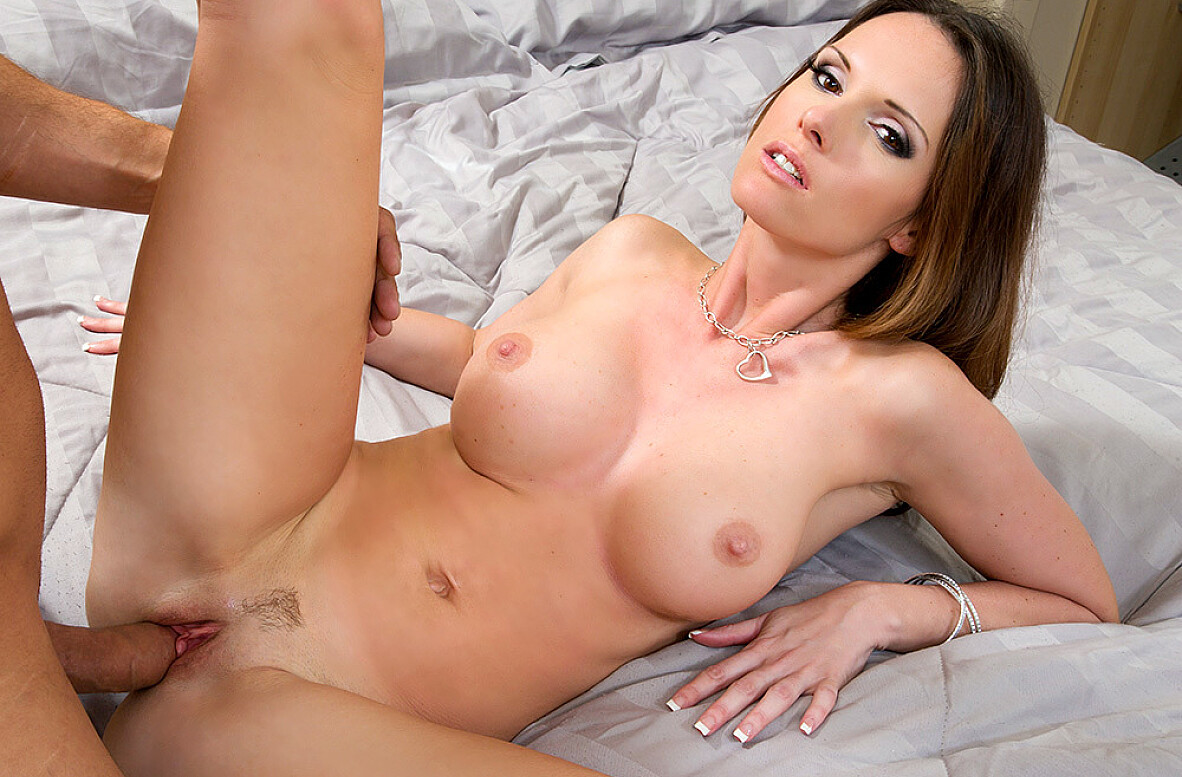 Watch Jennifer Dark and Danny Mountain video in My Girlfriend's Busty Friend