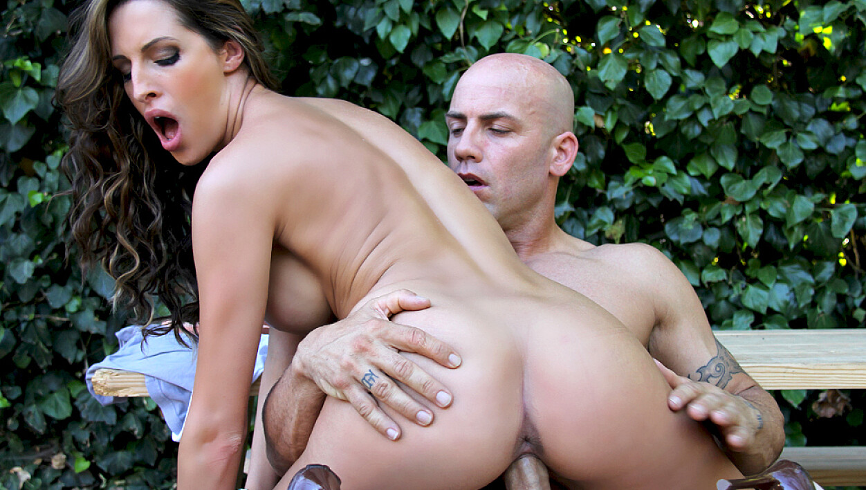 Kortney Kane fucking in the outdoors with her tits
