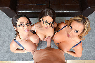 Ariella Ferrera fucking in the floor with her tits vr porn - Sex Position 4