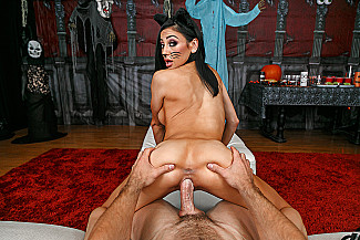 Audrey Bitoni fucking in the couch with her tits vr porn - Sex Position 4