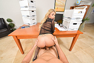 Kayla Kayden fucking in the office with her big tits vr porn - Sex Position 4