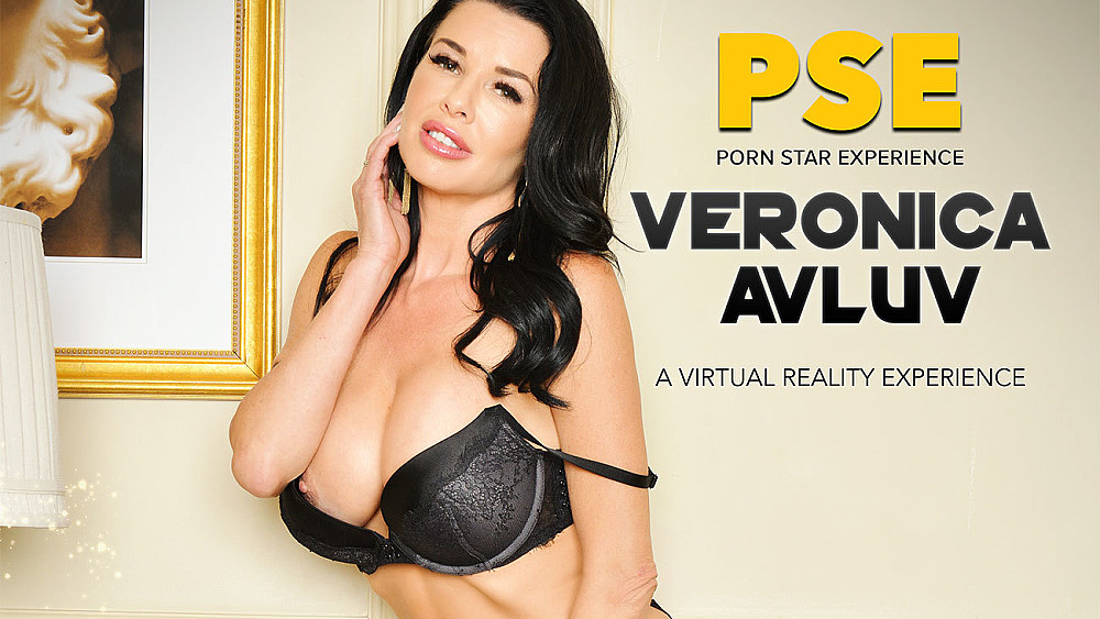 Click here to play Veronica Avluv fucking in the bed with her innie pussy VR porn