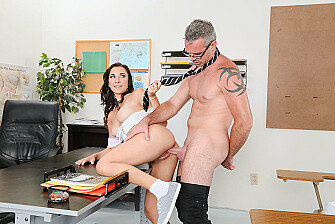Brunette Jade Amber fucking in the desk with her innie pussy - Blowjob