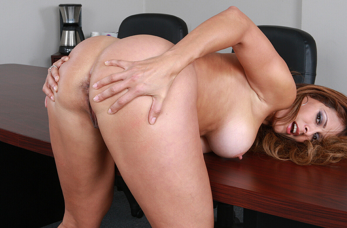 Watch Monique Fuentes and Rocco Reed video in Naughty Office