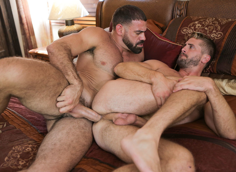 Hot Gay Porn with Ricky Larkin and Wesley Woods
