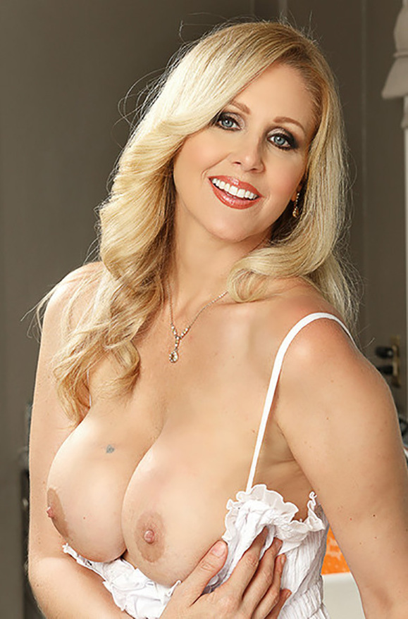 Julia Ann - xxx pornstar in many Boss & Hand Job & Teacher videos