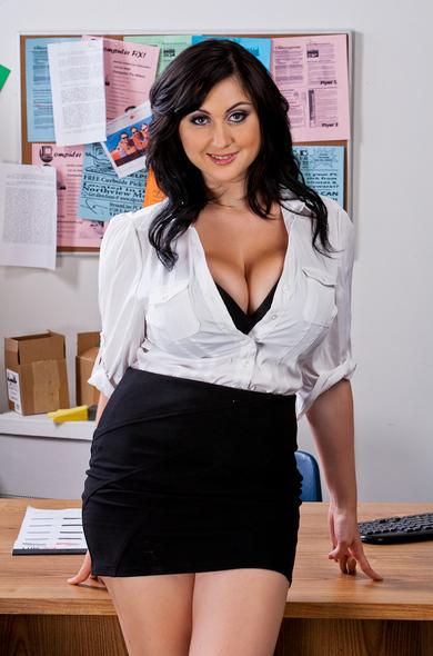 Caroline pierce large boobs
