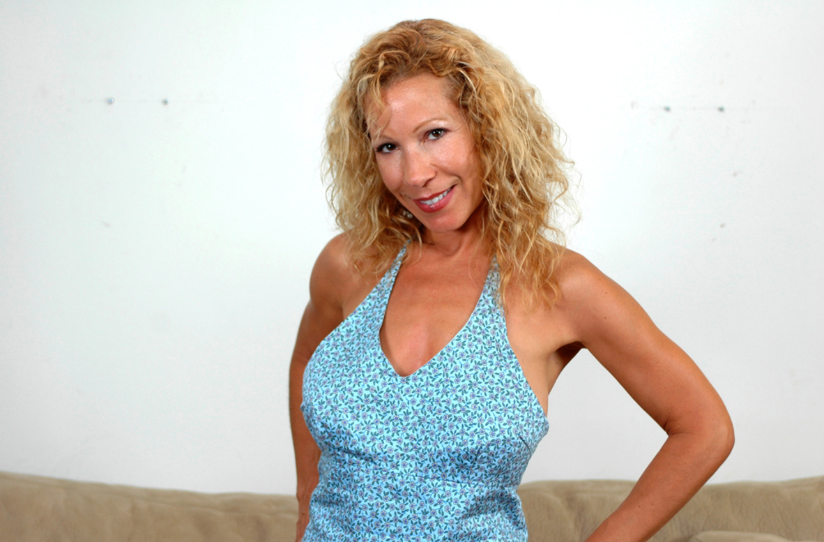 Watch Kimmie Morr, Alex Gonz and Jeremey Holmes video in Diary of a Milf