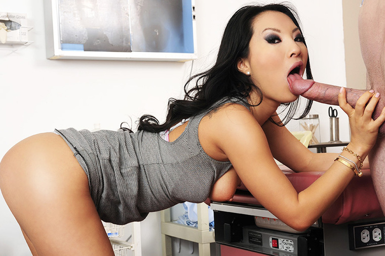 Brunette Asa Akira fucking in the table with her brown eyes