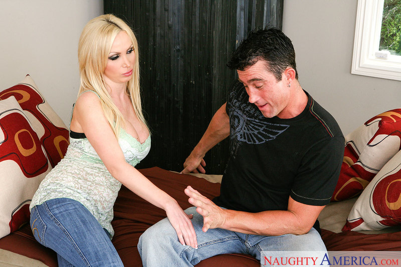 Nikki Benz fucking in the couch with her innie pussy - Sex Position 1