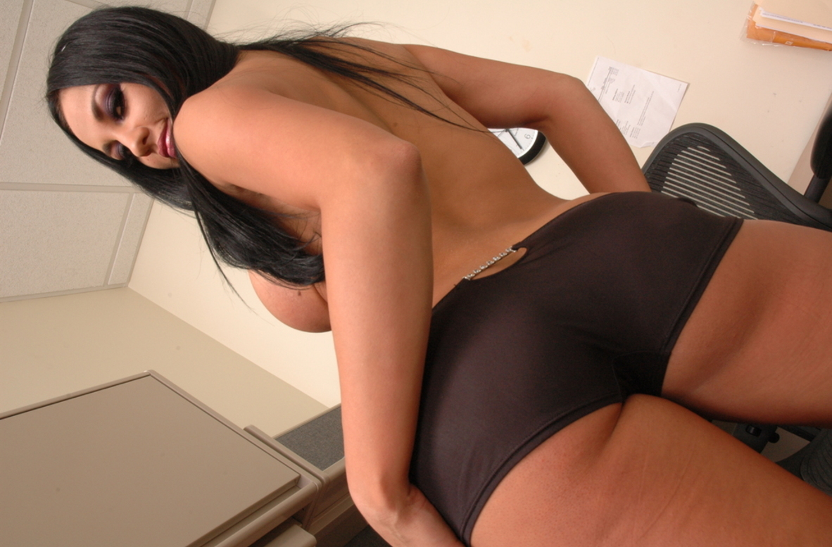 Watch Audrey Bitoni video in Live Naughty Secretary